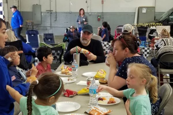 2017 Pinewood Derby Pack 703_Families Eating Before Racing _ Mission Viejo Auto Collision